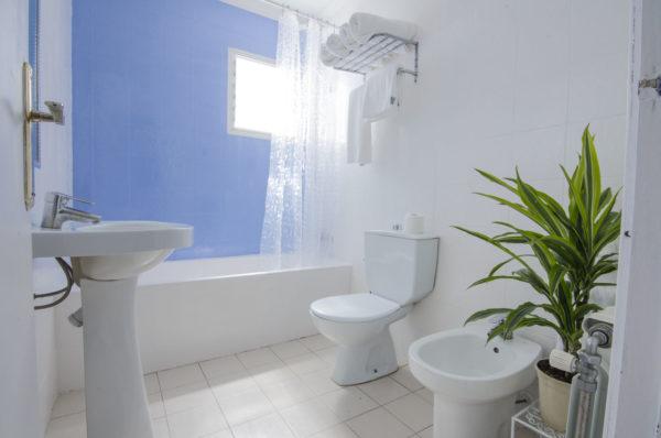 Apartamento de dos habitaciones baño - Hotel Marazul Mojácar