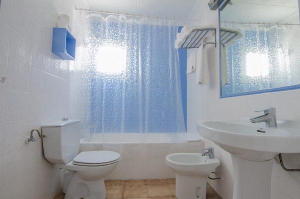Baño Estudio triple - Hotel Marazul Mojácar