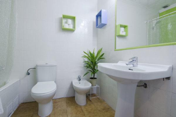 Baño Estudio cuádruple - Hotel Marazul Mojácar