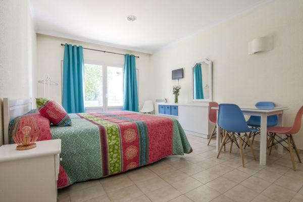Estudio cuádruple dormitorio principal - Hotel Marazul Mojácar