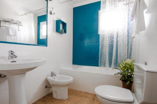 Baño estudio doble superior - Hotel Marazul Mojácar